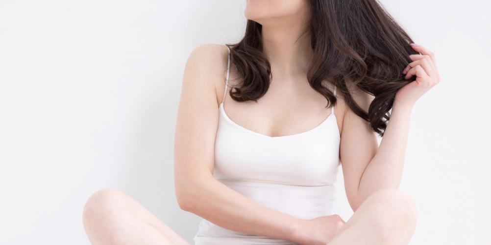 髪の長い女性の画像